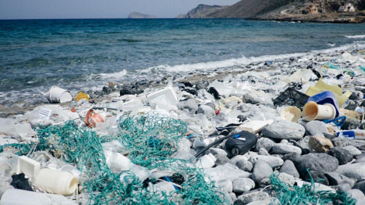 FOTO: Entre ocho y doce millones de toneladas de plástico colapsan cada año el mar, el 29 de enero de 2020