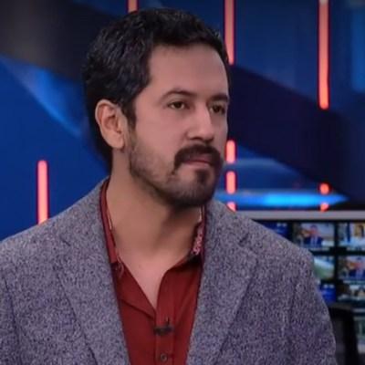 FOTO Entrevista con Fabián Cháirez, autor de pintura con Zapata desnudo, en Despierta (Noticieros Televisa)