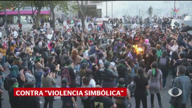 Foto: Glorieta Insurgentes Acoge Performance Violador Tu Camino 6 Diciembre 2019