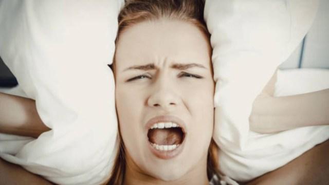 Imagen: Agregó que la falta de sueño se asocia también con estados de depresión y ansiedad y que favorece a la creación de idead suicidas, y por tanto, existe el riesgo de concretar el acto