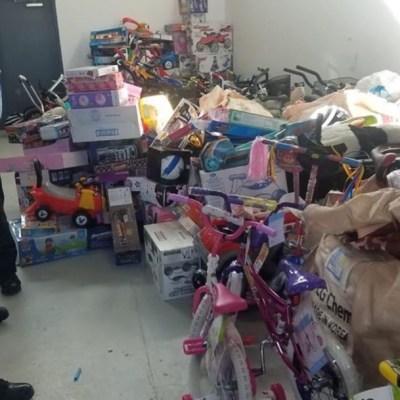 Foto: Desde hace 80 años los bomberos de Ciudad Juárez regalan juguetes a los niños, luego de una intensa campaña de recolección