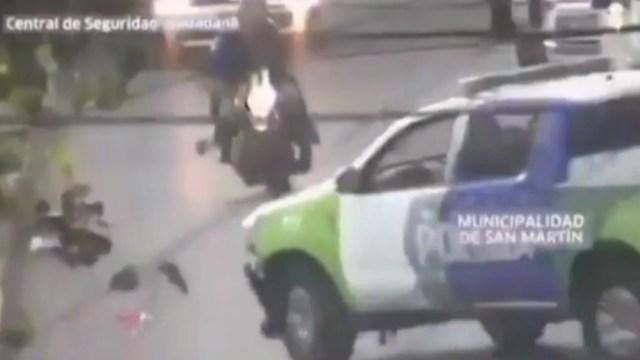 Foto: Un ladrón muere cuando su moto en la que huía se estrelló con una patrulla, el 4 de diciembre de 2019 (Noticieros Televisa, especial)