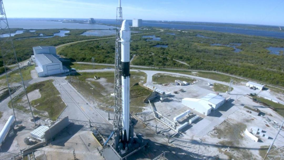 """Foto: En Cabo Cañaveral, Florida, despegó la nave espacial """"Dragon"""", impulsada por el cohete Falcon 9 que transporta el nanosatélite """"AztechSat-1"""", 5 diciembre 2019"""