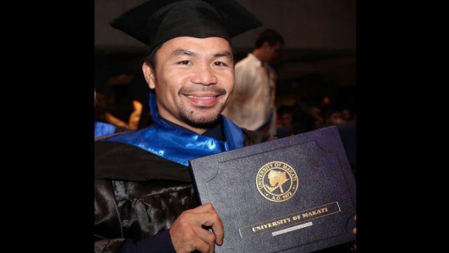 Manny-Pacquiao-diploma-universitaria-ceremonia-graduacion-Instagram