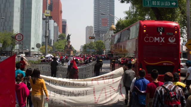 Foto: Un grupo de manifestantes protestan en la Ciudad de México, 7 diciembre 2019