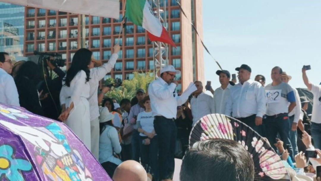Marchan contra el primer año de gobierno de AMLO. (Mónica Vázquez, Noticieros Televisa)