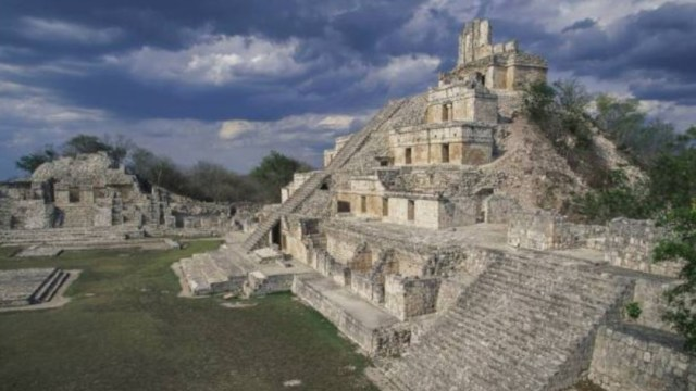 Imagen: Durante su apogeo, los mayas fueron la cultura dominante en la región, abarcando casi en su totalidad el territorio mesoamericano, sin embargo, una ruptura al equilibrio entre la ecología y la sociedad, colocaron a los mayas en una situación de vulnerabilidad extrema