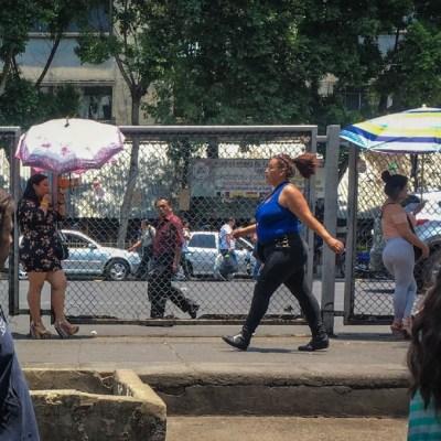 Imagen: La Secretaría de Gobierno capitalina retiró puestos ambulantes de avenida Circunvalación, en el barrio de la Merced, que impedían a trabajadoras sexuales realizar su actividad