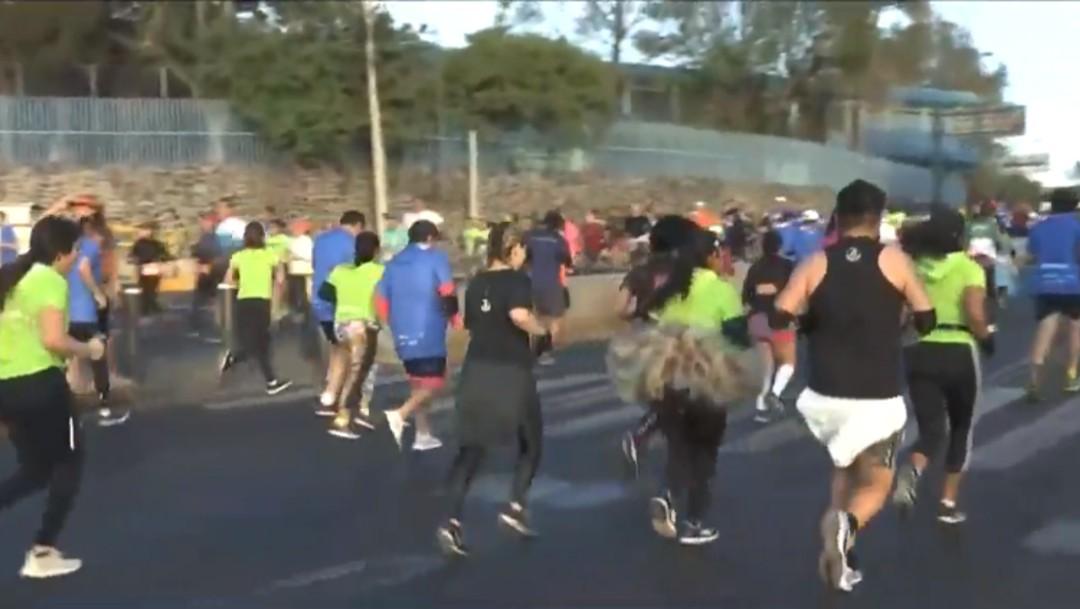 Foto: Miles de corredores participan en la Carrera de San Silvestre en la CDMX