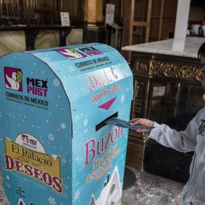 Niños escriben cartas a Santa Claus y Reyes Magos en Palacio Postal CDMX