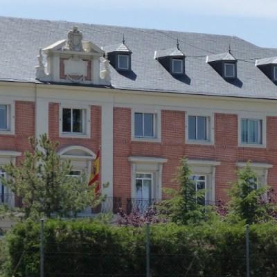 España expulsa a tres diplomáticos bolivianos