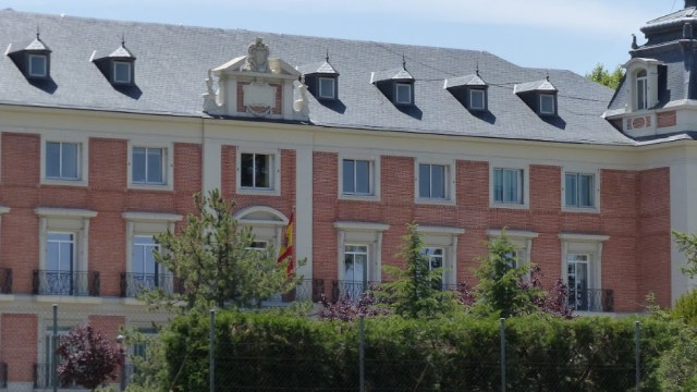FOTO España expulsa a tres diplomáticos bolivianos; en la imagen, el Palacio de La Moncloa (Google Maps)
