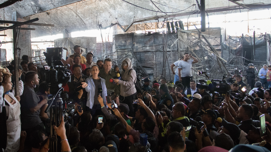 La jefa de Gobierno de la CDMX, Claudia Sheinbaum, recorrió La Merced