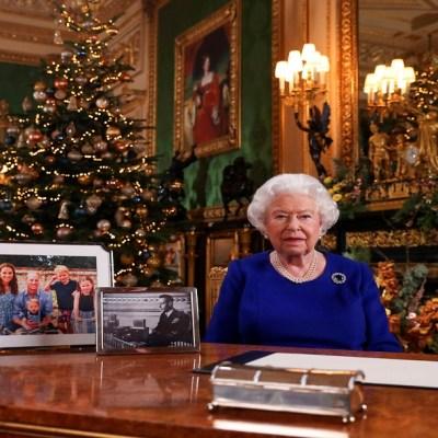 Isabel II hablará del 'camino de baches' del Reino Unido y la familia real en su mensaje de Navidad