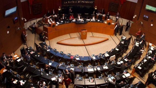 Sesión en el pleno del Senado de la República