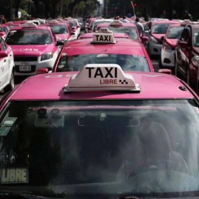 FOTO: Taxistas se concentran en el Ángel de la Independencia, CDMX; realizarán una protesta, el 19 de febrero de 2020