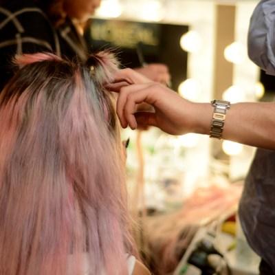 Teñirse el cabello podría aumentar el riesgo de padecer cáncer de mama: estudio
