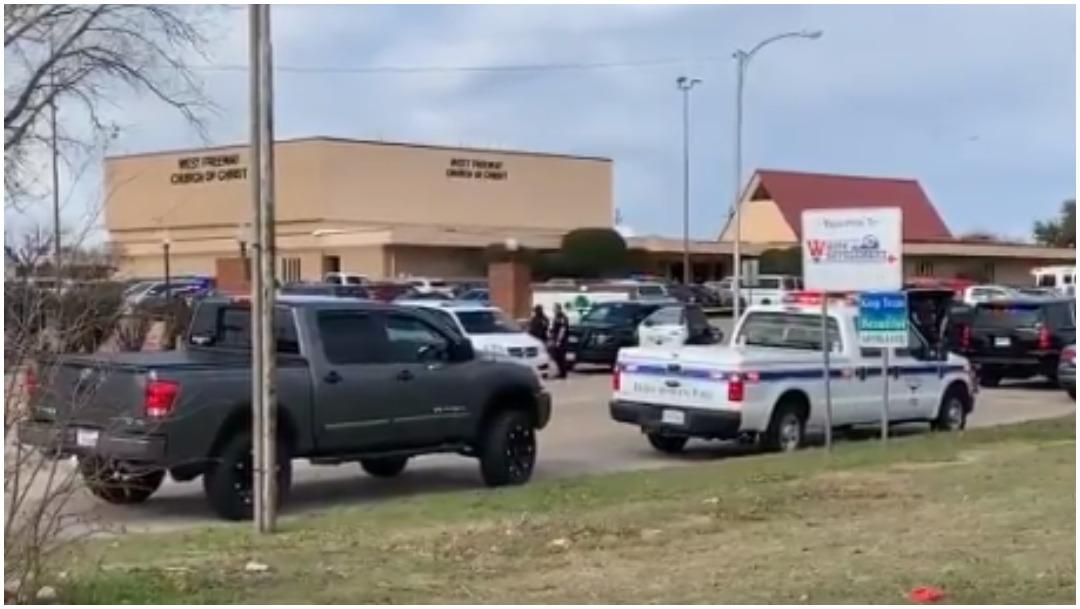 Foto: Autoridades atienden tiroteo reportado en iglesia de Texas, 29 de diciembre de 2019 (Twitter)