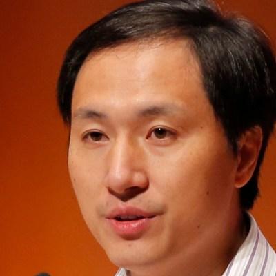 Tres años de cárcel para científico chino que modificó bebés genéticamente