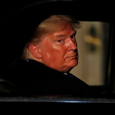 Proceso de 'impeachment' contra Trump supera obstáculo con demoledor informe