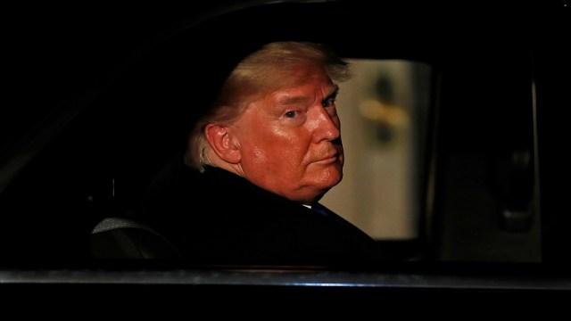 FOTO: Proceso de 'impeachment' contra Trump supera obstáculo con demoledor informe