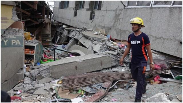 Foto: Varios edificios quedaron destruidos tras el sismo que sacudió a Filipinas, 15 de diciembre de 2019 (EFE)