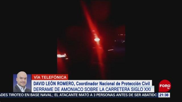 Foto: Vuelca Pipa Amónico carretera Siglo XXI Michoacán 6 Diciembre 2019