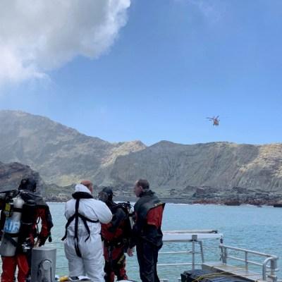 Suben a 20 los muertos en el volcán en Nueva Zelanda