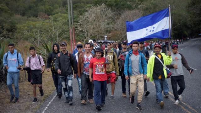 FOTO: Migrantes con destino a EE.UU. busca entrar en bloque a México, el 19 de enero de 2020