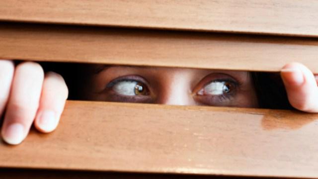 Imagen referencial de una joven con agorafobia, 19 enero 2020