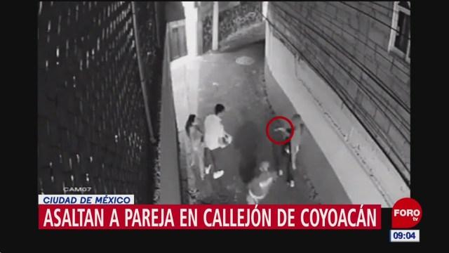 asaltan a pareja en callejon de coyoacan cdmx
