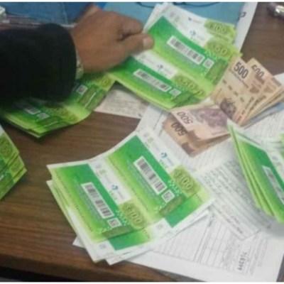 Usuario del Metro de la CDMX devuelve billetera con más de 10 mil pesos