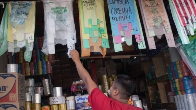 Foto: Piden a las tiendas cumplir con los acuerdos de no más bolsas plásticas, y que entreguen de manera gratuita, durante el mes de enero, bolsas de tela para apoyar a los ciudadanos