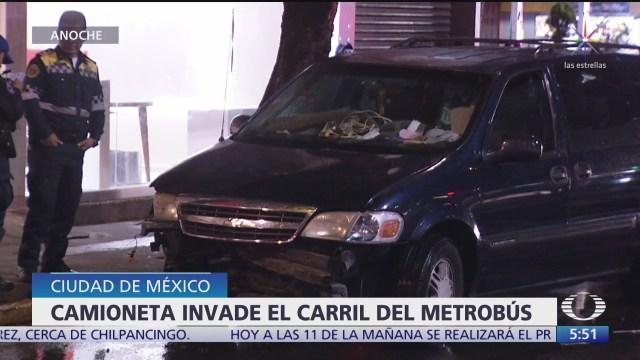 camioneta choca con aguja del metrobus en la cdmx