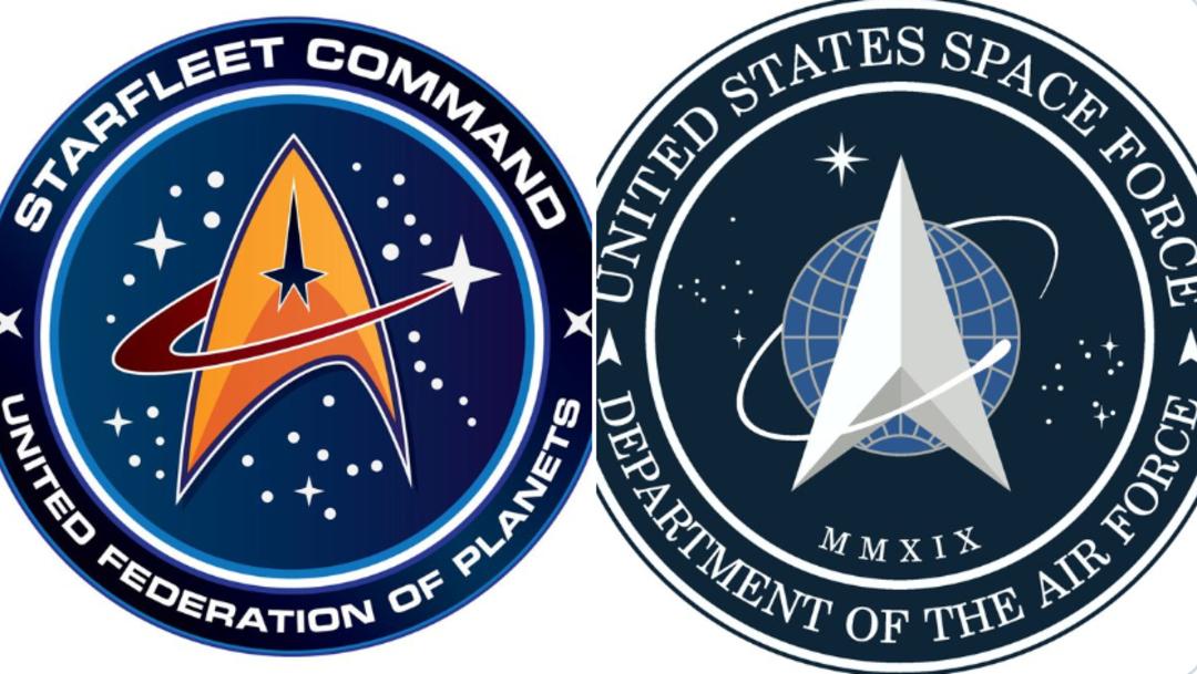 Foto: Trump revela logo de Fuerza Espacial con extraño un parecido a 'Star Trek', por aparente sobredosis de heroína, 24 de enero de 2020, (Twitter @NerdPyle)