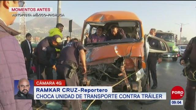 choca camioneta de transportes contra trailer