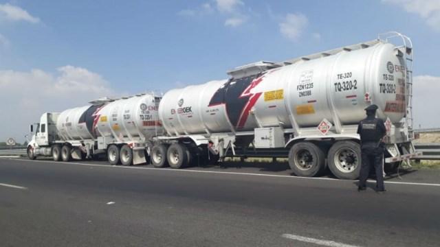 Imagen: El aseguramiento fue en el kilómetro 031+400 de la carretera Monterrey-Ciudad Mier, luego de marcarle el alto a un tractocamión de doble cisterna que viajaba sobre un carril prohibido