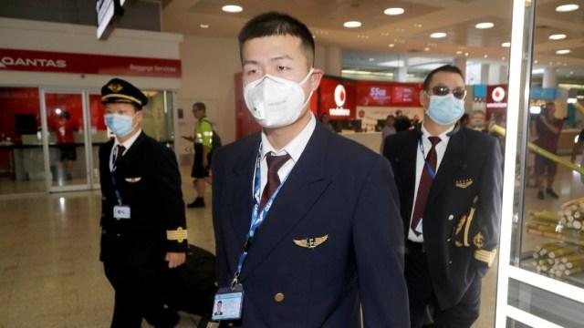 Foto: Comida caliente, mantas y diarios, las víctimas del coronavirus en aviones