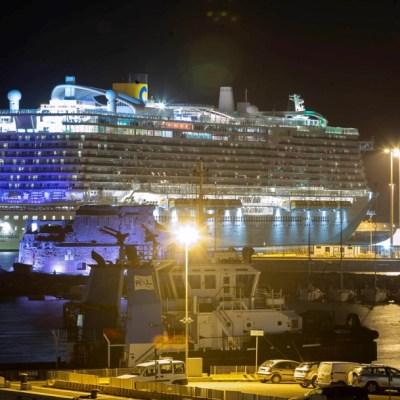 Pasajeros del crucero en Italia desembarcan tras descartarse coronavirus