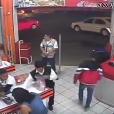Policía intenta frustrar un asalto, pero los ladrones 'le echan montón' y lo matan
