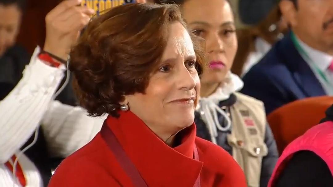 FOTO Denise Dresser en la conferencia matutina de AMLO, el 29 enero de 2020 (YouTube)