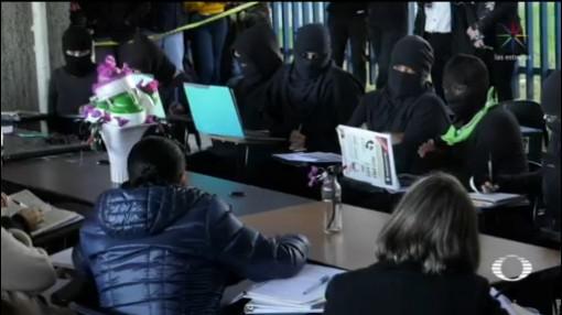 Foto: Dialogan Autoridades Universitarias Filos Colectivos Feministas 15 Enero 2020