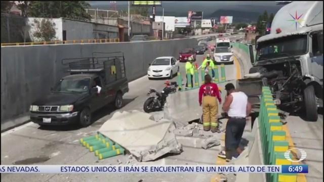 Foto: doble accidente en el paso express morelos