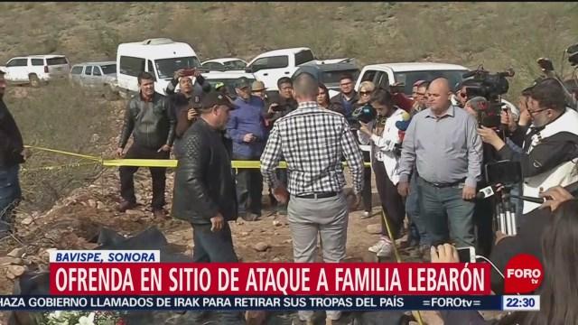 FOTO: 12 enero 2020, familia lebaron lleva ofrenda aintegrantes fallecidos