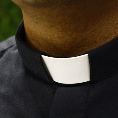 Ex sacerdote confiesa haber abusado sexualmente de