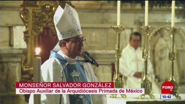 FOTO: feligreses acuden a misa de ano nuevo en catedral cdmx