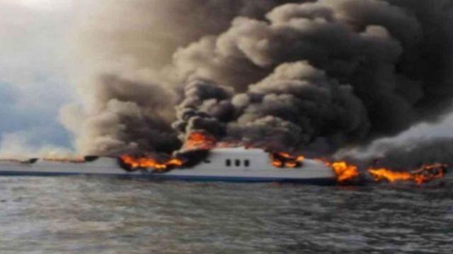 Foto: El yate se incendió cerca de la Isla San Francisquito y Espíritu Santo. Semar