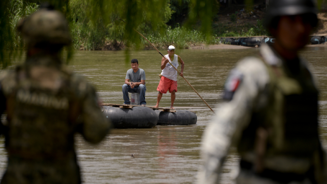 La Guardia Nacional Mexicana se encuentra en la orilla del río Suchiate, donde inmigrantes centroamericanos cruzan en balsas la frontera entre Guatemala y México, 15 ENERO 2019