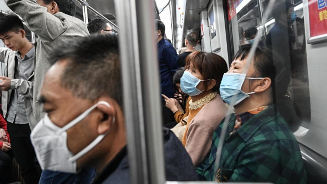 Foto: Toman medidas extremas en transporte público por coronavirus en China, 18 de enero de 2020, (Getty Images)