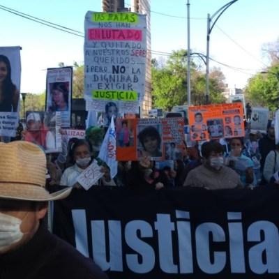 Foto: Integrantes de la Caminata por la Paz se reunieron junto a la Estela de Luz, 26 enero 2020